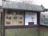 Wildbienenhotel und Infotafel